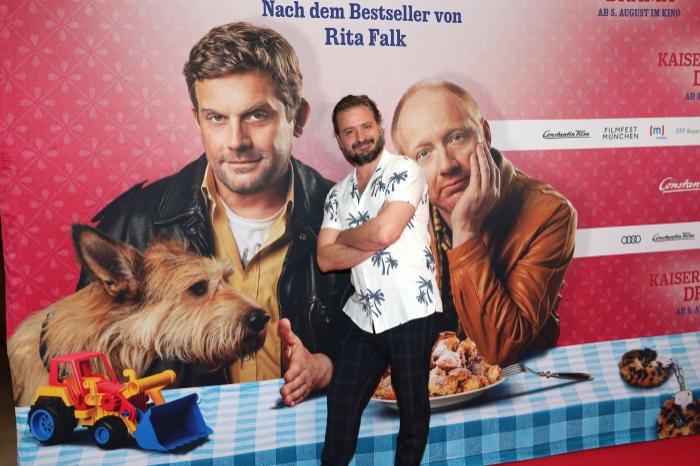 Kaiserschmarrndrama - Premierenfotos: Daniel Christensen Simon Schwarz und Rita Falk auf dem rotten Teppich bei der Premiere zu Kaiserscharrndrama