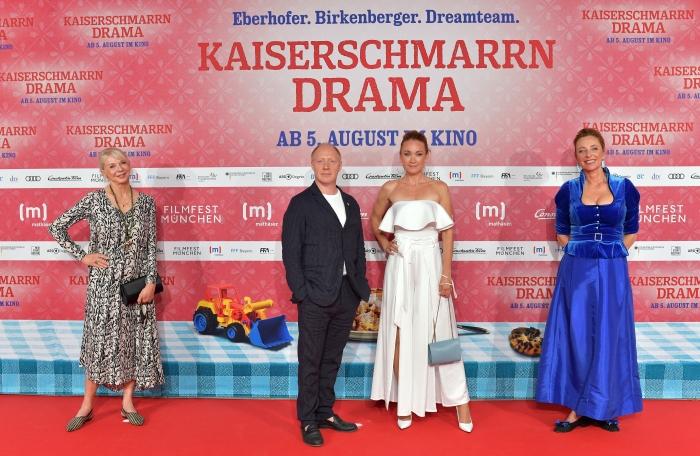 Rita Falk, Simon Schwarz, Lisa Maria Potthoff und Diana Iljine auf dem roten Teppich 2021