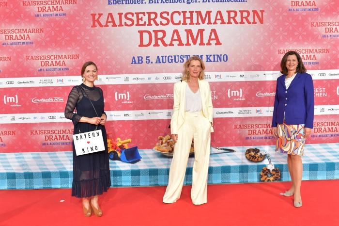 Judith Gerlach, Maria Furtwängler und Ilse Aigner auf dem roten Teppich 2021