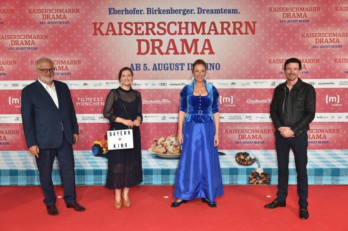 Martin Moszkowicz, Judith Gerlach, Diana Iljine und Oliver Berben auf dem roten Teppich